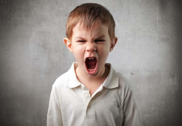 niño-enojado