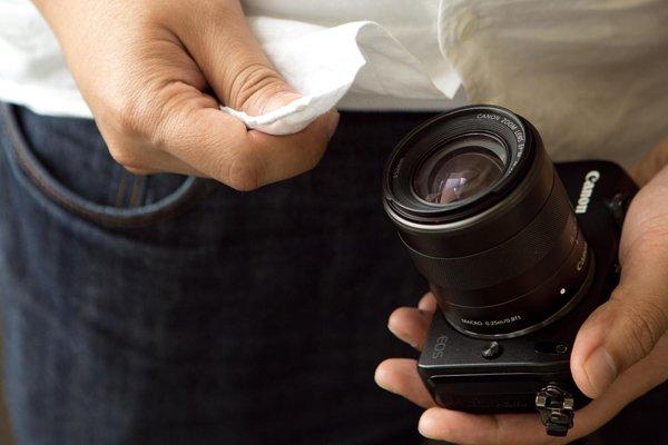shirt-wiping-lens